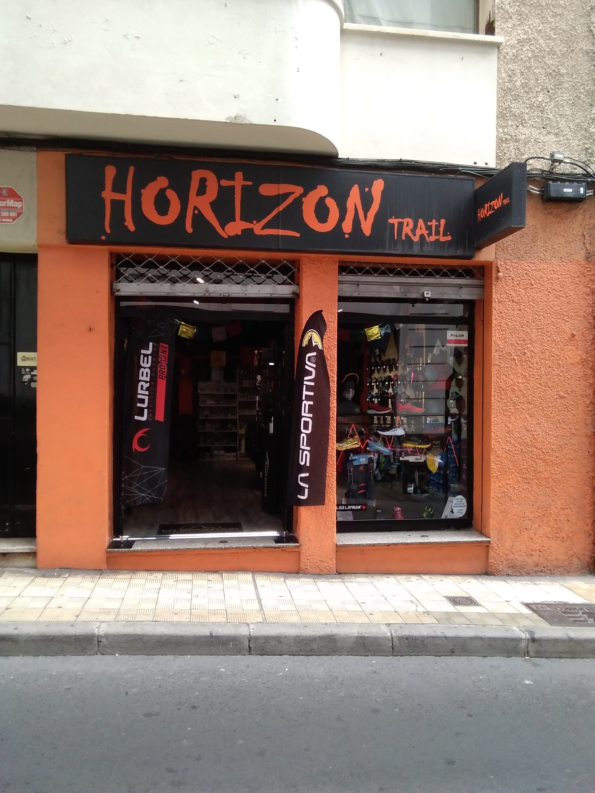 HORIZONTRAIL
